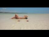 Anna Lesko - Sola En La Playa - 1080HD