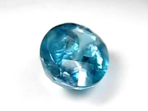 Яркий голубой камень циркон натуральный 7.57 карат! арт.20289