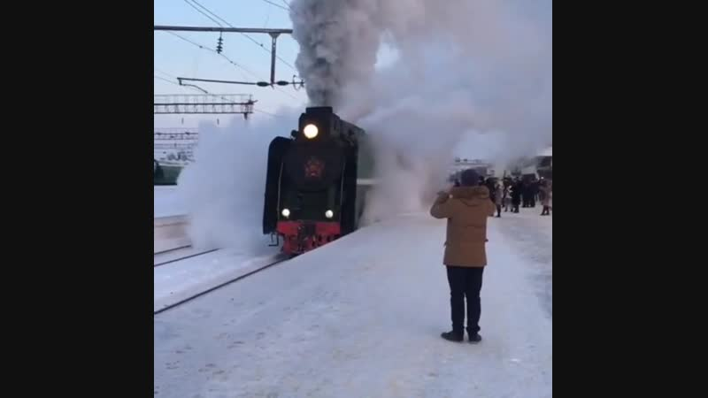 Ретро поезд на вокзале в Липецке