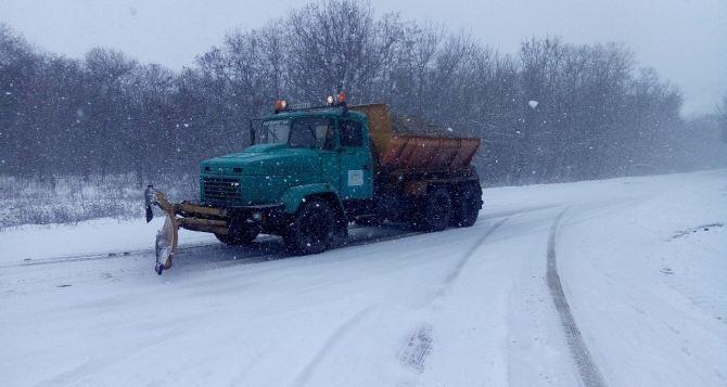Все главные автомобильные трассы очищены от снега в ЛНР