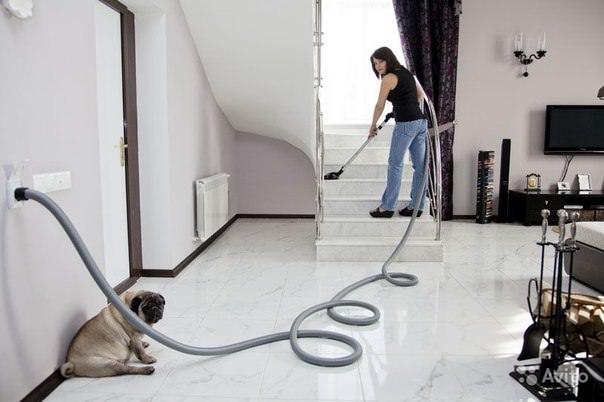 Центральный (встроенный) пылесос - супер-удобная штука для своего дома. Главные плюсы - минимум шума и отсутствие раздуваемой пыли при уборке.