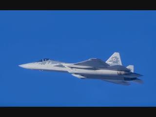 Минобороны впервые опубликовало видео полетов новейших российских истребителей Су-57 в Сирии