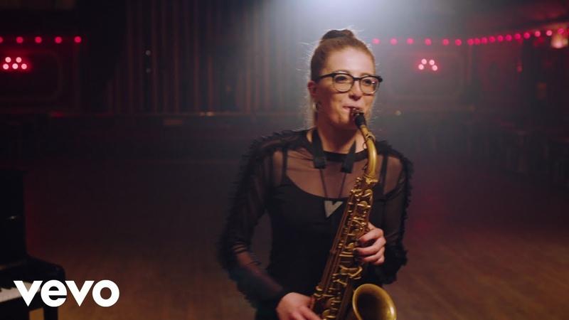 Jess Gillam - Milhaud: Scaramouche - 3. Brazileira