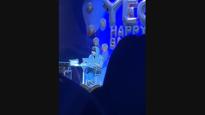 181126 [FANCAM] CHANYEOL at his Birthday Party - - Cr. _be__loved - - @weareoneEXO 찬열 Chan.mp4