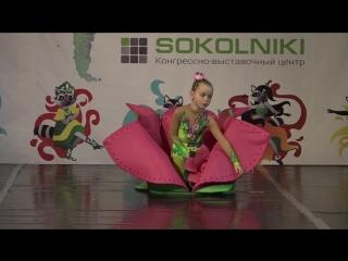 Акробатическое шоу Лотос, Соловьева Софья