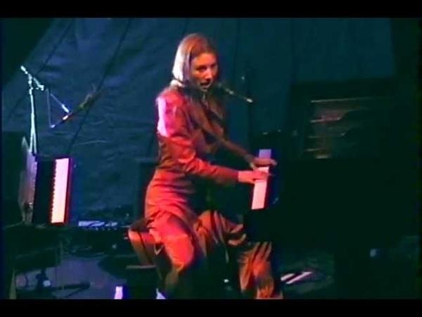 Tori Amos - Philadelphia (Neil Young cover) - Philadelphia 2001