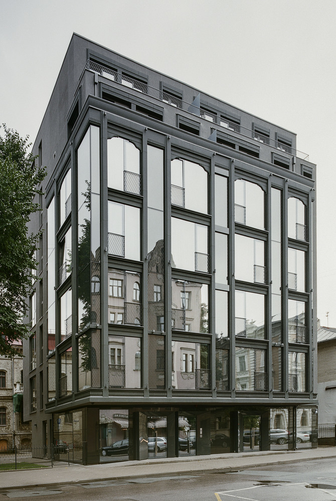 Club Central Residence / Open AD   TECTUM