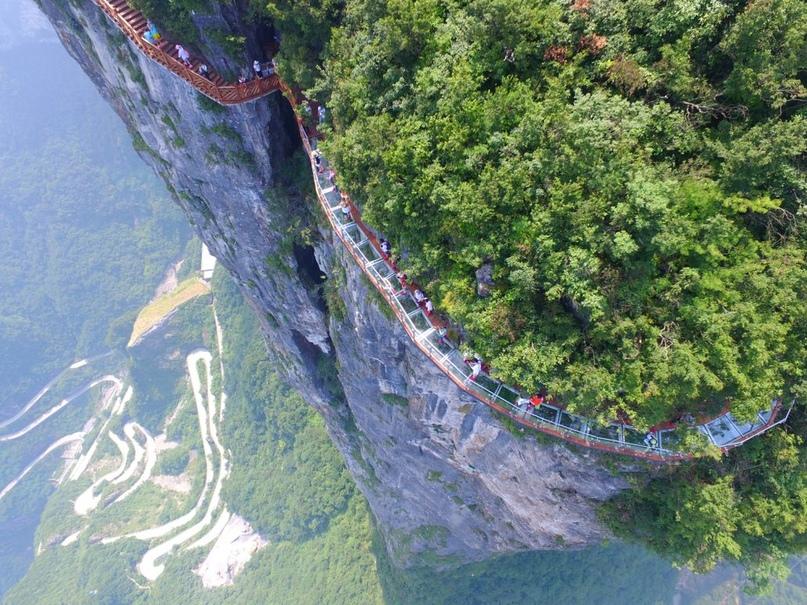 «Извивающийся дракон» в Китае.