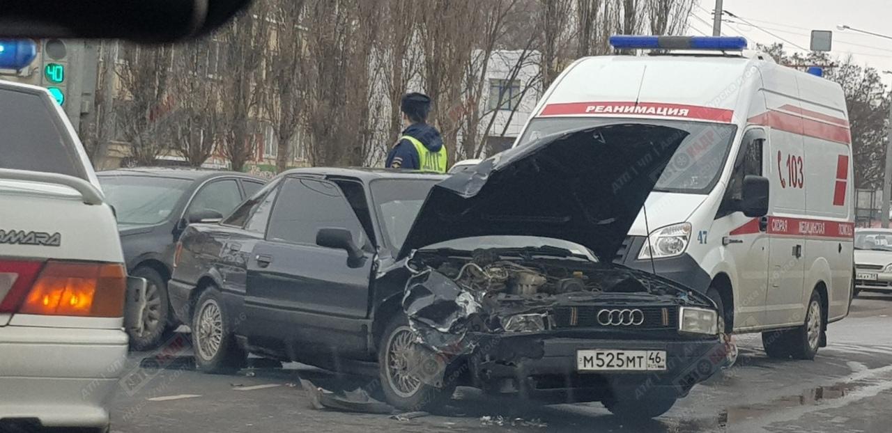В центре Курска в аварии пострадала 5-летняя девочка