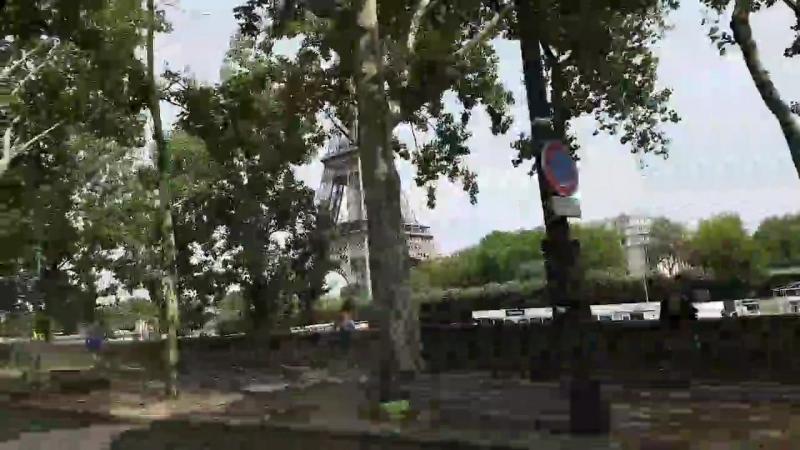 Прогуляемся вдоль Сены Башню Эйфеля поймаем в кадр Париж