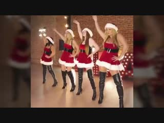 MEAN GIRLS JINGLE BELL ROCK - Lele pons - Montana Tucker
