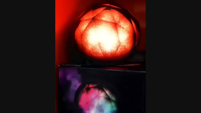 Магически мерцающий и переливающийся разными цветами кристалл с отличным громким стерео звуком и удивительно глубокими басами дл