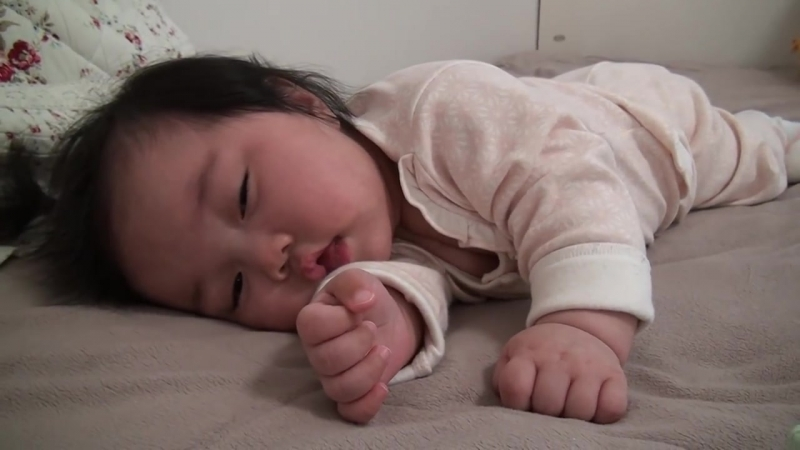 Wow Its mom, but Im sleepy - bobaepapa