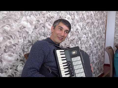 Крымскотатарский аккордеонист