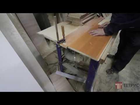 Пропил паза в ЛДСП для задней стенки кухни. Изготовление кухонь на заказ в Санкт-Петербурге.