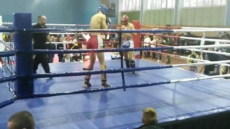 Полуфинал кубка Украины по К-1 (Варченко Виталий красный угол)
