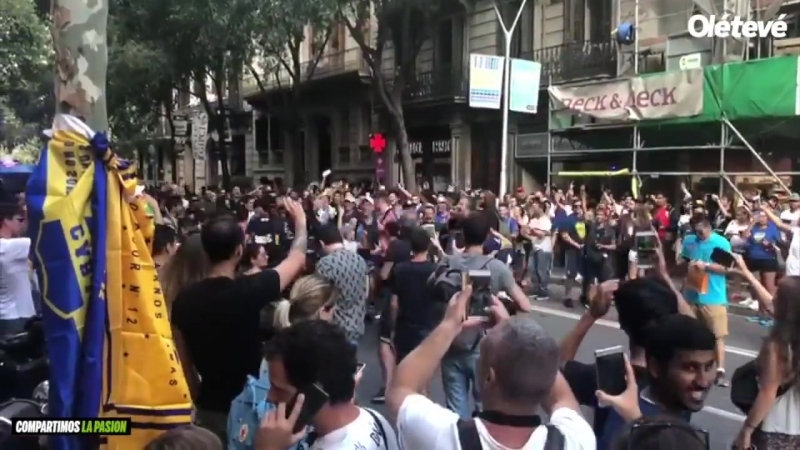Фанаты Боки отжигают в Барселоне. Прилетели на Кубок Жоана Гампера