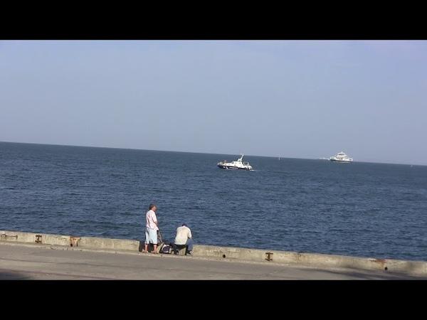 Береговая охрана керченского моста А чего они там делают