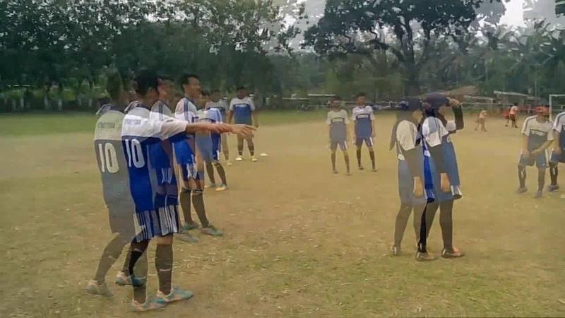 Pariasi passing dalam sepak bola ( FIK UNIMED PJKR REG C 14 )