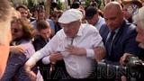 ПЕРВый в топе ютюб сегодня! Жириновский бросался на людей и метал ботинки на акции Навального в Москве против пенсионной реформы