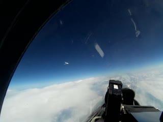 Вылет российского Су-27 для перехвата самолёта-разведчика ВВС Швеции над Балтийским морем