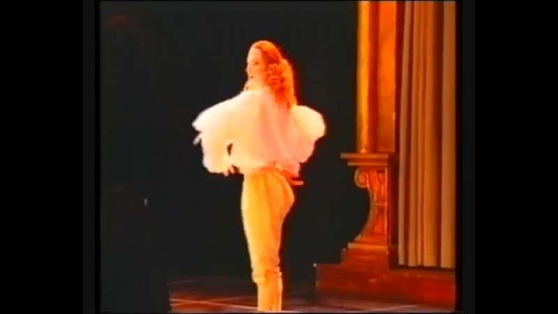 Старинный танец Лур, хореография Мари Женевьев Массе, исполняет Жиль Пуарье
