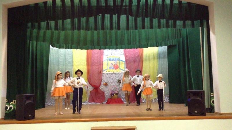 Выступление танцевального коллектива Йолдыз