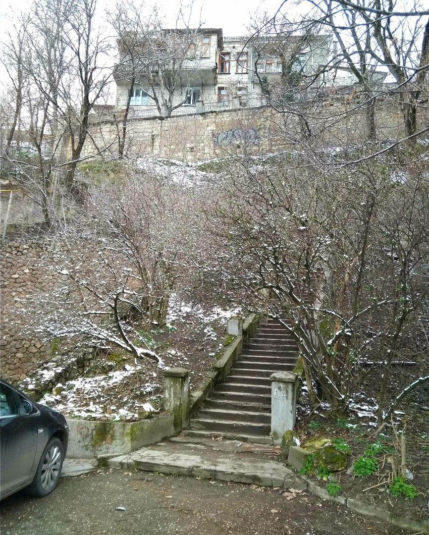 Лестница Любви в Симферополе. Долина прорыва реки Салгир сквозь Внутреннюю гряду Крымских гор.