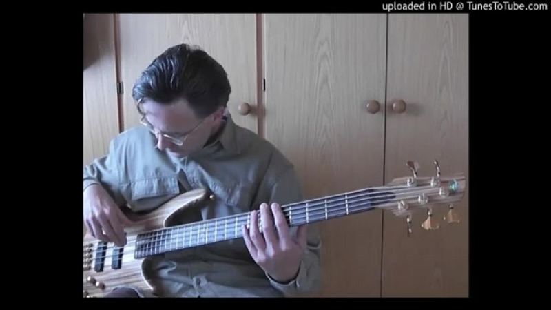 Bass cover Huey Lewis and the News Your cash aint nothin but trash