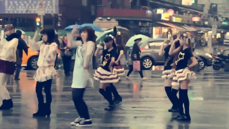 Luka Luka ★ Night Fever feat. Megurine Luka Flashmob Japan 2012