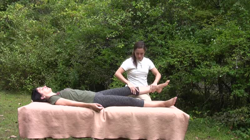 02 Стретчинг-масаж на природе - ноги (Diana Seiler)