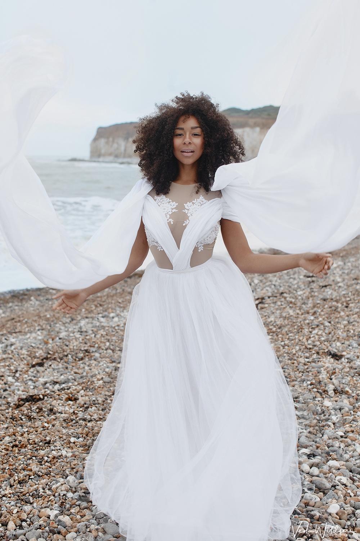 Уникальное платье сшито по эскизу дизайнера проделало путь до туманного Альбиона и обратно, затем продалось в город Тольятти.
