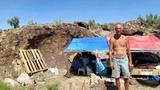 HOMELESS VETERENS MAN BUGGING OUT IN THE ARIZONA DESERT