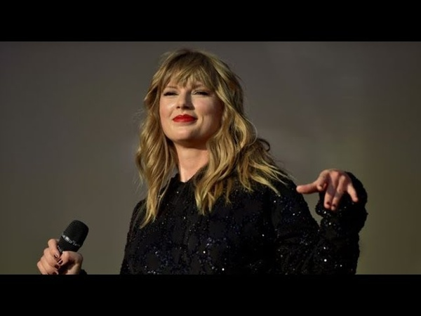 Taylor Swift Delicate live from Swansea