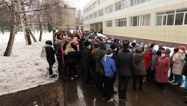 Учебная эвакуация в томской школе №25 прошла менее чем за 8 минут