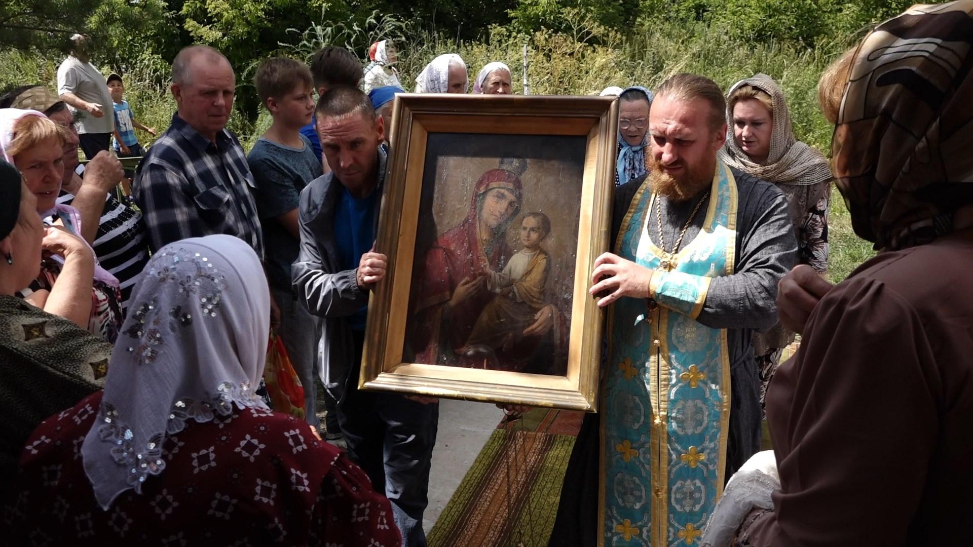 Ежегодно 9 июля в деревню Серебрянь Михайловского района привозят из с. Срелецкие Выселки Тихвинскую чудотворную икону Божьей Матери.