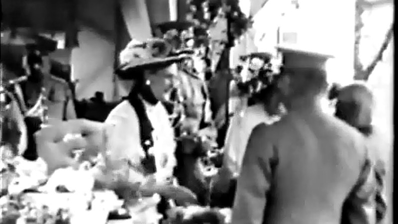День Белого цветка Кинохроника участия Царской семьи в благотворительной акции