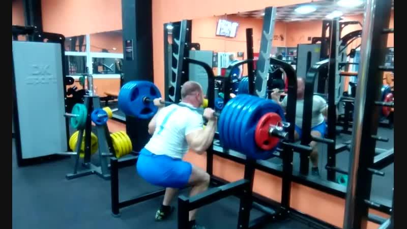 тренировка ног в maximalgym -веса.190.200.210.220.230