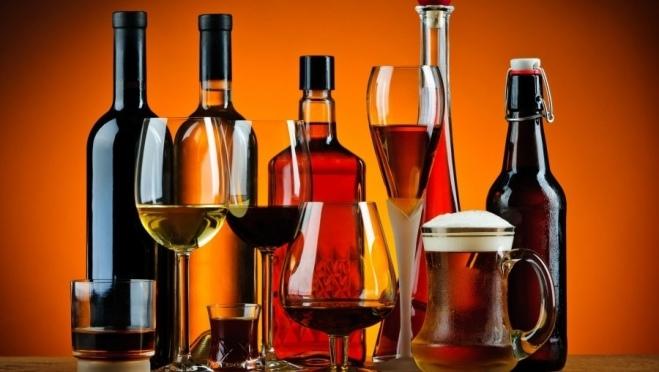 Минфин планирует поднять цены на водку, коньяк и шампанское.