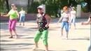 Активные и спортивные представители старшего поколения собрались на массовую зарядку в парке