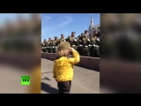 Маленький генерал_ на репетиции парада Победы в Москве военные ответили на приве