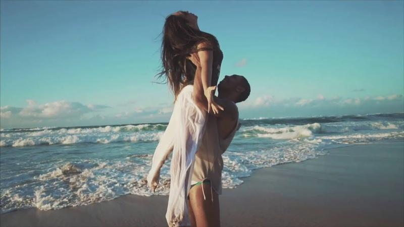 Ревущий Океан...Красота...Любовь...и...Нежность....!! Танцуют....