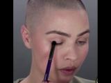 Идея макияжа в оттенке хаки