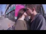 Kissing Prank СЕКСИ ШКОЛЬНИЦЫ  ПОЦЕЛУЙ С НЕЗНАКОМКОЙ
