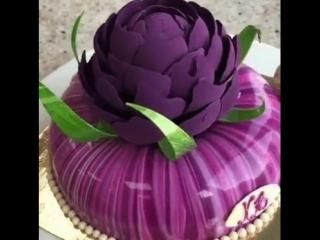 Очень красивый торт, оцените🍰❤