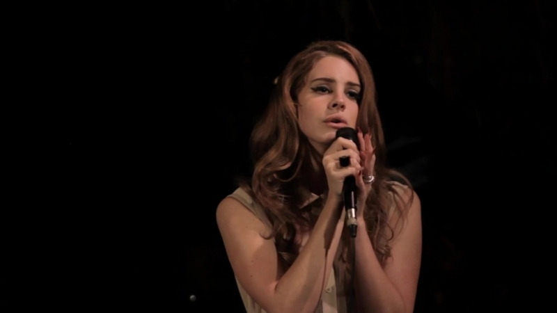 Lana Del Rey – Video Games (Live @ Mulberry dinner at «Chateau Marmont»)