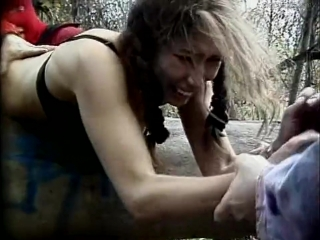 Сексуальное насилие(групповое изнасилования, rape) из фильма: hunting season - 2000 год