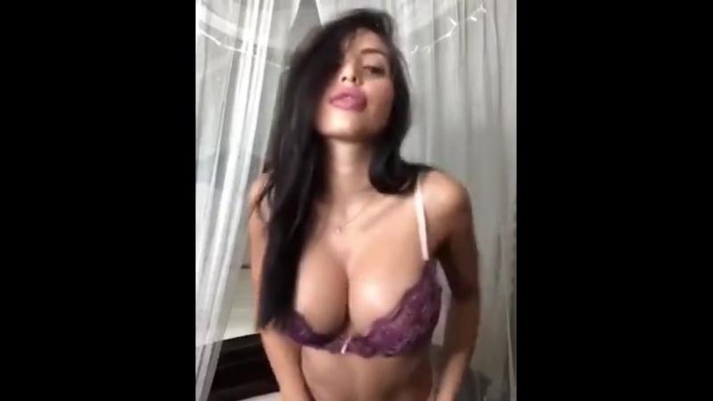 Знойная брюнеточка (порно, секс, эротика, попка, booty, anal, анал, сиськи, boob