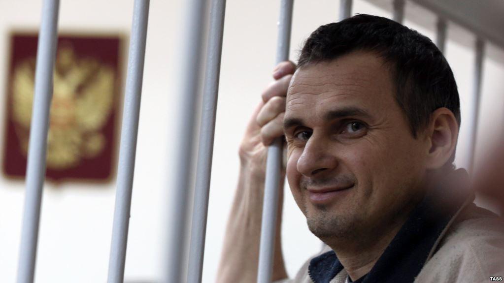 Познер, Хаматова, Лунгин и другие известные деятели попросили Путина спасти жизнь Сенцова