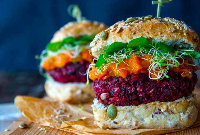 «Гексан обычно используется при переработке неорганических вегетарианских бургеров,…»